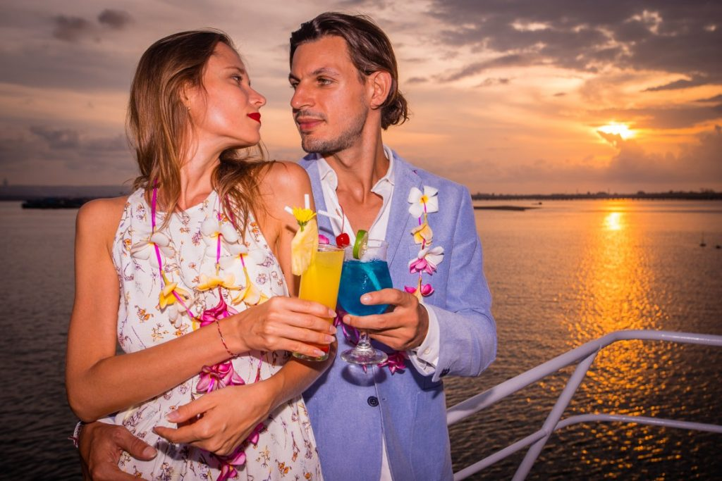 Promo Bali Hai Beach Club  & Sunset Dinner Cruise