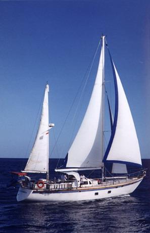 Relax Yacht Day Cruise Bersama Island Explore Cruise